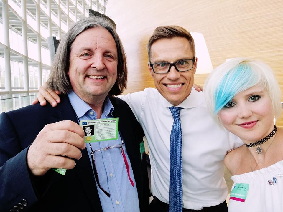 Alex Stubb, former PM of Finland (centre), Madeleina Kay, EU SuperGirl and Roger Casale (left) in the European Parliament in July 2018 for the launch of the prototype Green Card. Photo: New Europeans