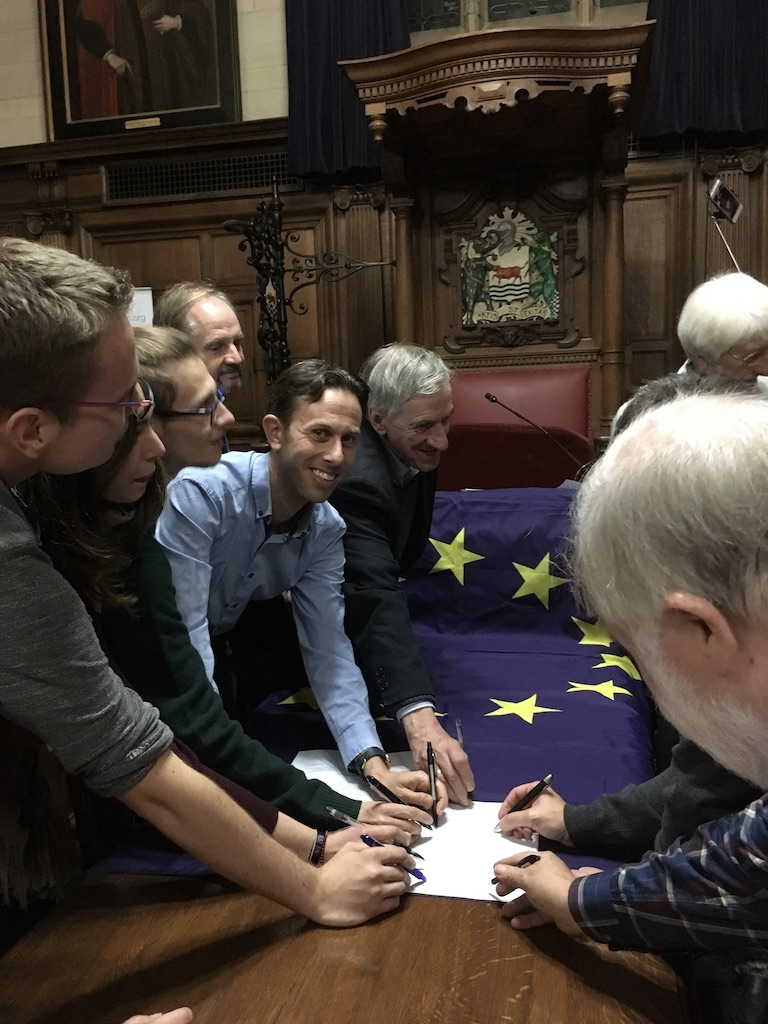Dr Ruvi Ziegler, Chair of New Europeans UK and the Oxford European Association signing the Oxford European Charter.